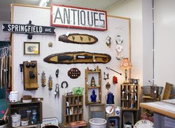 Long's Antiques & Collectables