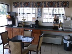 Hi Way Inn Express Hotel & Suites of Atoka OK