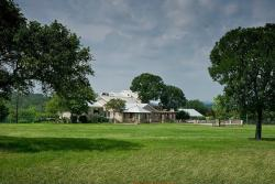 CW Hill Country Ranch Bed and Breakfast