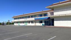 Motel 6 Williams
