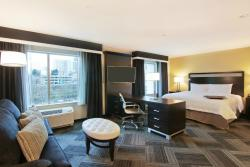 Hampton Inn & Suites Bellevue Downtown-Seattle