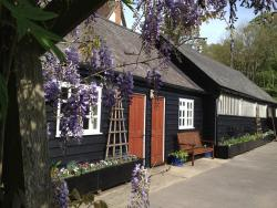Wisteria Cottage B&B