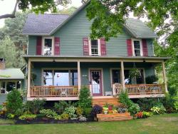MoonShadow Bed and Breakfast