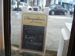 Dangelinis Cafe & Bakery