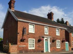 Chedgrave House Bed & Breakfast