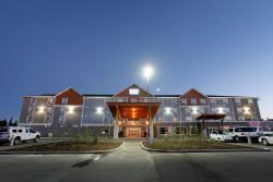 Pomeroy Inn & Suites at Olds College