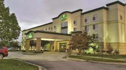 La Quinta Inn & Suites Omaha Airport Downtown Carter Lake
