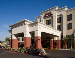 Hampton Inn & Suites Tulare
