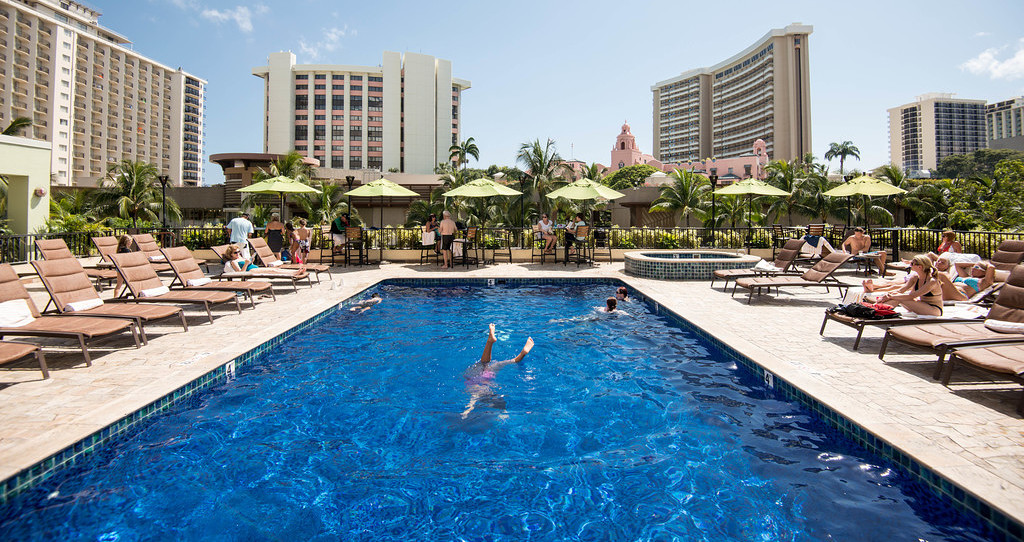 Holiday Inn Waikiki Beachcomber Resort Hotel