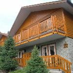 Becker's Roaring River Chalets
