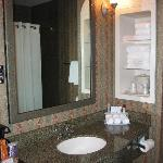 Photo de Holiday Inn Express Hotel & Suites Manteca