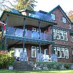Pebbled Shores Bed and Breakfast