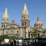 A full view of the cathedral from the Plaza de Armas