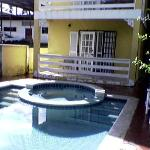  Apt/Pool