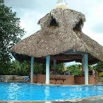 El Batey swimming Pool and swim-up bar (Capella)