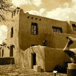  A scenic Adobe Museum building in Santa Fe downtown. ENJOY!
