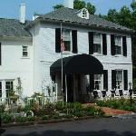 Commodore Joshua Barney House Bed & Breakfast
