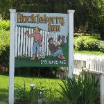 Huckleberry Inn Sign