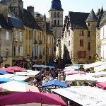  Sarlat on market day