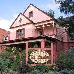 Фотография Jewel of the Canyons Bed and Breakfast