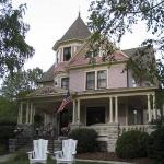 Photo de White Lace Inn