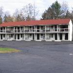 White Mountain Motel & Cottages