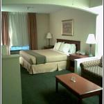 Foto van Holiday Inn Express Hotel and Suites Edmond