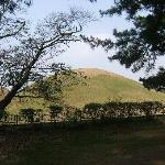 Kyongju is rich in Korean history and archaeological sites such as the numerous burial mounds