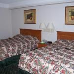 Room 409 - 2 Double Beds