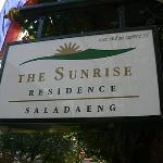 The Sunrise Residence resmi