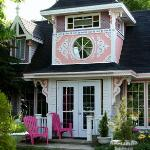 Gingerbread House Inn resmi
