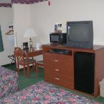  Comforts galore! Digital cable TV, microwave, and refrigerator!