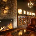 Lobby fireplace - Mission Point Resort