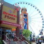 Photo de Comfort Inn Clifton Hill - Niagara Falls Hotel
