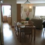 Photo de East Gate Plaza Service Apartment