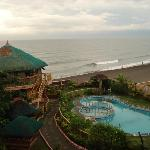 NorMi2's Beachfront Resort resmi