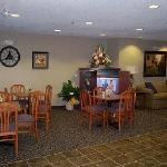 Microtel Inn and Suites by Wyndham Hazelton/Bruceton Mills resmi