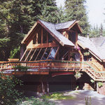 Alaska&#39;s Treehouse Bed and Breakfast