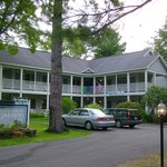 Lakeshore Inn Motel