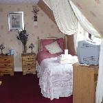  Twin bedroom with exclusive use of a luxury bathroom with power shower and free standing bath.