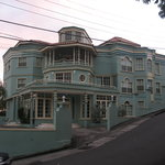 New Haddon Hotel Kingstown