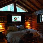  The very cozy cabin bedroom
