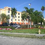 BEST WESTERN PLUS Fort Myers Inn & Suites resmi