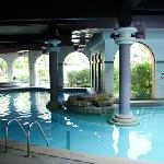 Hotel Four Seasons - indoor pool
