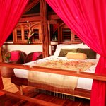 The Red Palm Villas resmi