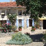 Photo de Domaine De Brantome Holiday Rentals