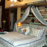 Baines House Bed & Breakfast