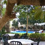 Falaj Daris Hotel