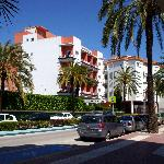  Hotel Caribe from the street in front
