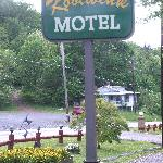 The Koolwink Motel sign